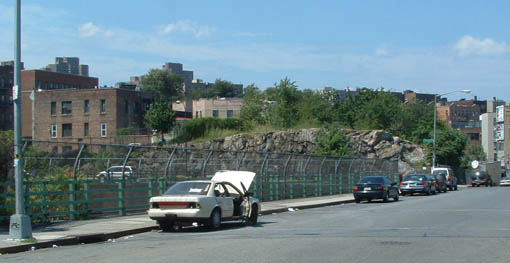 Abandoned_Car_Cross_Bronx.jpg