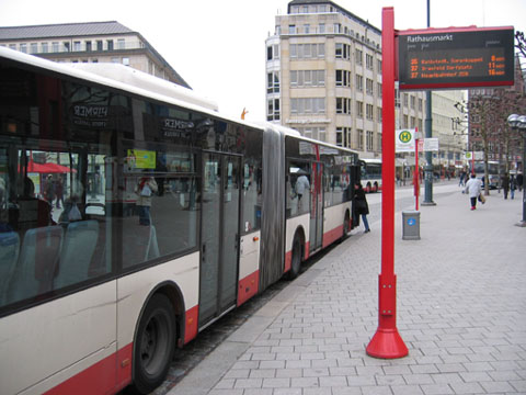 bus stop hamburg germany streetsblog new york city. Black Bedroom Furniture Sets. Home Design Ideas