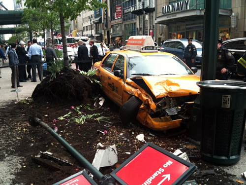 34th__Street_7th_and_Broadway_accident.JPG